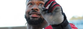 Darnell Dockett twitter account tampers, talks crap and live-tweets police stops